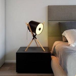 "Lámpara de mesa de madera ""FOCUS"""