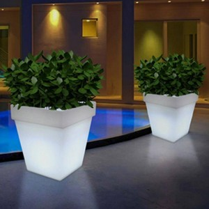 Macetero LED RGBW de Resina Blanca, 40x40x55cm, 12W, IP65, Recargable