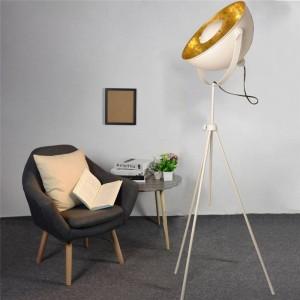 Lámparas de pie vintage con trípode
