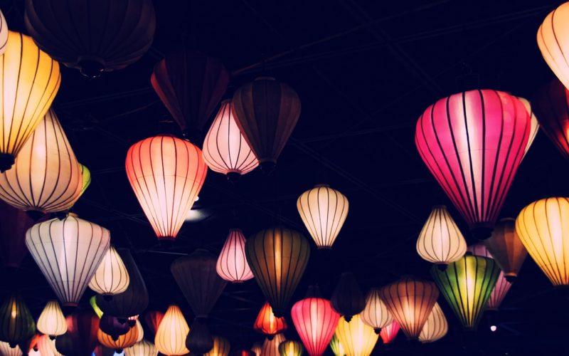 Cómo escoger lámparas colgantes para tu jardín