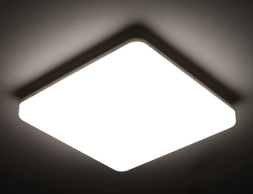 PLAFÓN LED QUADRADO DE SUPERFÍCIE 2640LM 24W IP54 PARA CASA DE BANHO