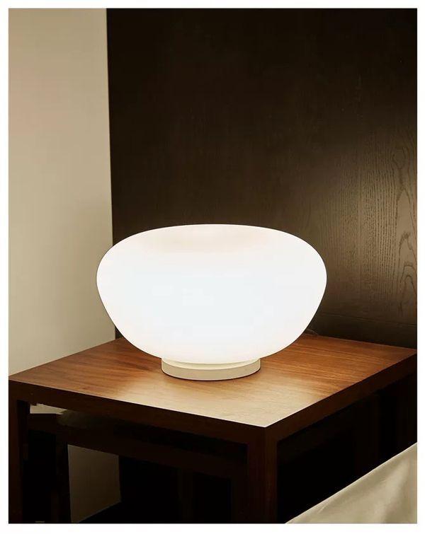 aplicacion lampara de mesa vesta led 24w