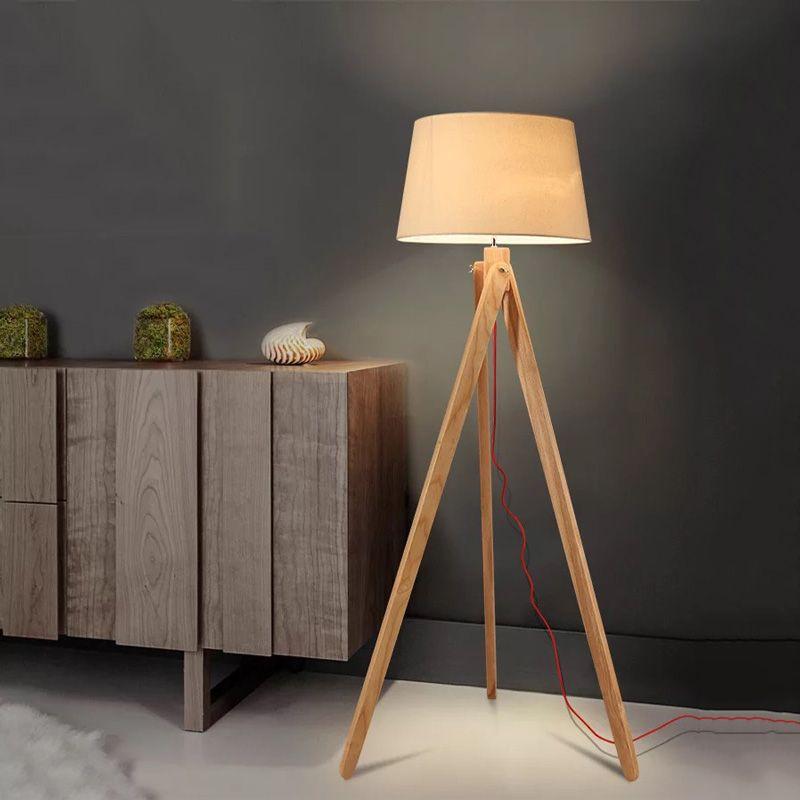 lampara de pie tripode madera nashua