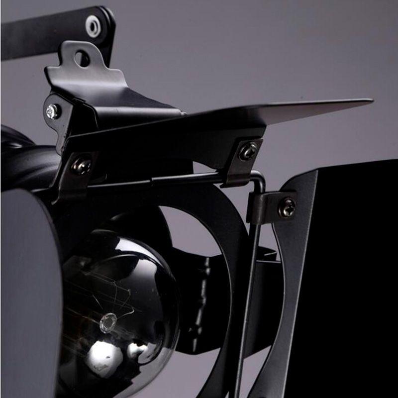 detalle frontal lampara de techo industrial vintage metal negro