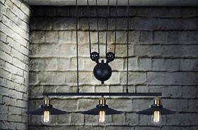 lámpara con poleas vintage
