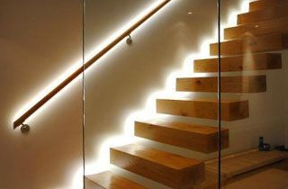 tiras led instaladas en escaleras de duplex