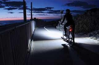 Linterna LED SOLAR para bicicleta con protección contra el agua