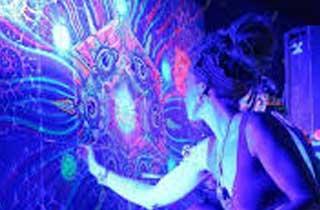 Tira LED UV para resaltar colores fluorescentes