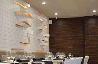 restaurante iluminada con focos kardans y leds