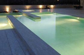 iluminacion led en piscinas