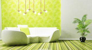 salón decorado con lamparas de madera
