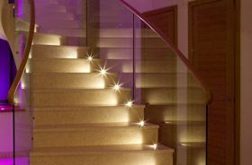 led suelo escaleras