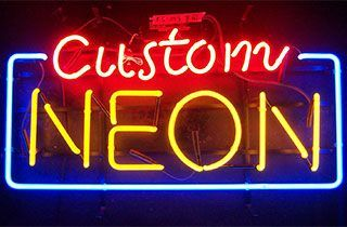 luces de neon led en letrero
