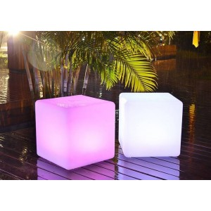 Cubo LED luminoso RGBW RESINA BRANCA, 40CM. 5W, IP65, SEM FIOS