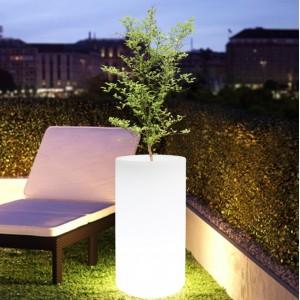 Vaso LED RGBW de Resina Branca, 40x80cm, 7W, IP65, sem fios