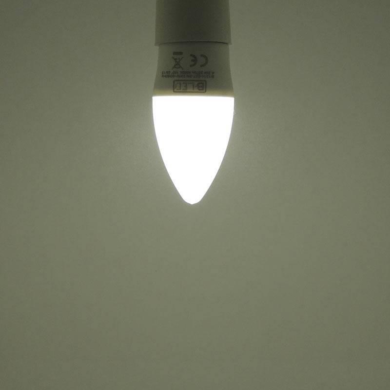 Lâmpada vela LED E14 C37 5W Opalina