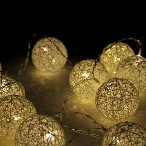 Grinalda luminosa LED de bolas de algodão com 3 metros